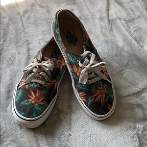 Vans. Authentic